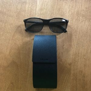 🆕 PRADA Authentic SPR 01R Fine Italian Eye-ware